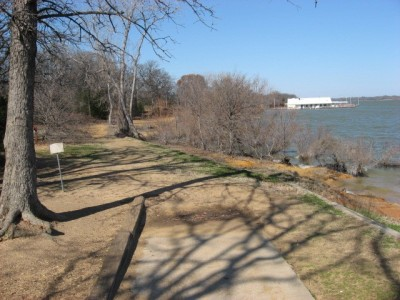 Lake Lewisville Park, Main course, Hole 7 Short tee pad