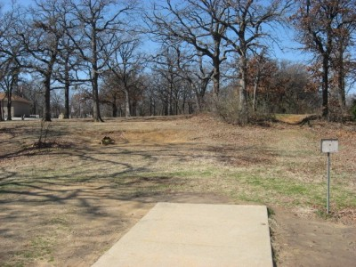 Lake Lewisville Park, Main course, Hole 4 Tee pad