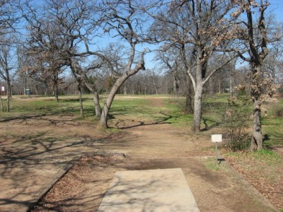 Lake Lewisville Park, Main course, Hole 6 Tee pad