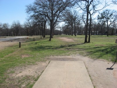 Lake Park Lewisville, Main course, Hole 10 Tee pad