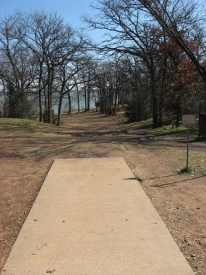 Lake Lewisville Park, Main course, Hole 1 Tee pad