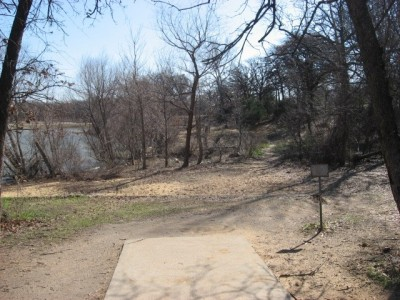 Lake Lewisville Park, Main course, Hole 3 Tee pad