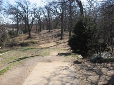 Lake Lewisville Park, Main course, Hole 2 Tee pad