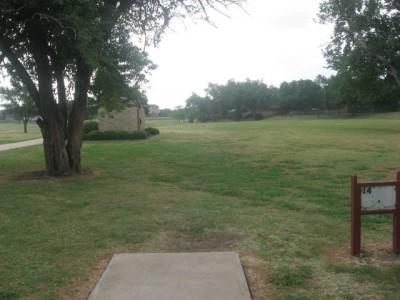 Leonard L. Woods Park, Main course, Hole 14 Tee pad