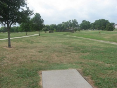 Leonard L. Woods Park, Main course, Hole 8 Tee pad