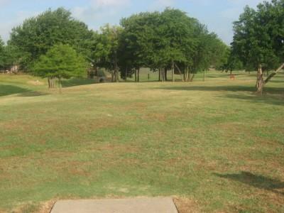 Leonard L. Woods Park, Main course, Hole 3 Tee pad