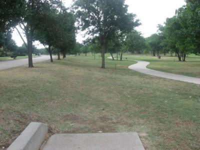 Leonard L. Woods Park, Main course, Hole 11 Tee pad