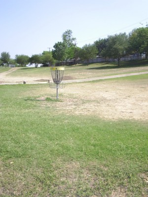 Live Oak City Park, Main course, Hole 4 Reverse (back up the fairway)