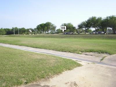 Live Oak City Park, Main course, Hole 28 Midrange approach