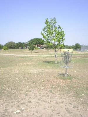 Live Oak City Park, Main course, Hole 1 Reverse (back up the fairway)