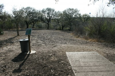 Live Oak City Park, Main course, Hole 23 Tee pad