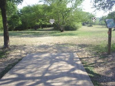 Live Oak City Park, Main course, Hole 22 Tee pad