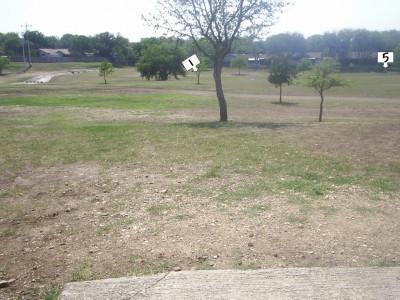 Live Oak City Park, Main course, Hole 1 Tee pad