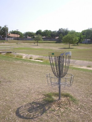 Live Oak City Park, Main course, Hole 5 Reverse (back up the fairway)
