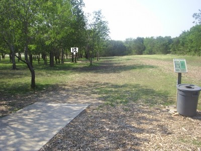 Live Oak City Park, Main course, Hole 12 Tee pad