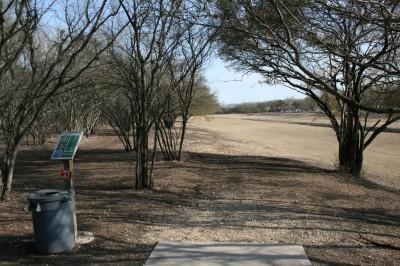 Live Oak City Park, Main course, Hole 27 Tee pad