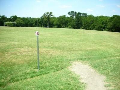Shawnee Park, Main course, Hole 18 Tee pad