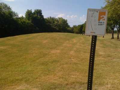 UT Dallas Alumni, Main course, Hole 2 Tee pad