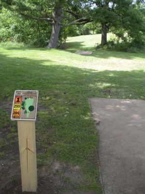 Meyer Broadway Park, Original course, Hole 1 Long tee pad