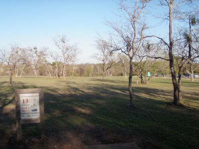 Old Settlers' Park, Main course, Hole 13 Tee pad