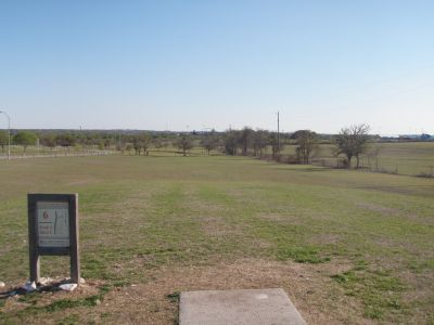 Old Settlers' Park, Main course, Hole 6 Tee pad