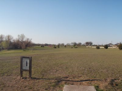 Old Settlers' Park, Main course, Hole 17 Tee pad