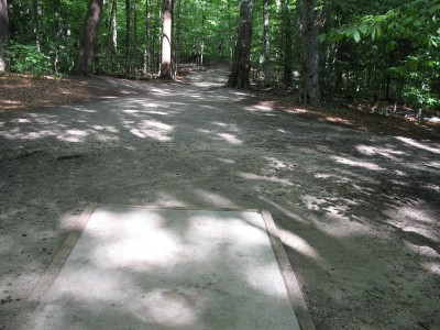 Hickory Hills, Main course, Hole 1 Tee pad