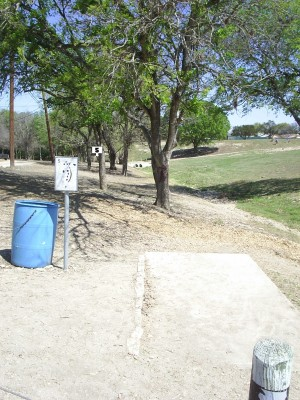 Universal City Park, Main course, Hole 5 Tee pad