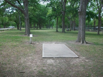 Riverside Park, Main course, Hole 11 Tee pad