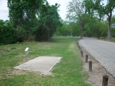Riverside Park, Main course, Hole 12 Tee pad