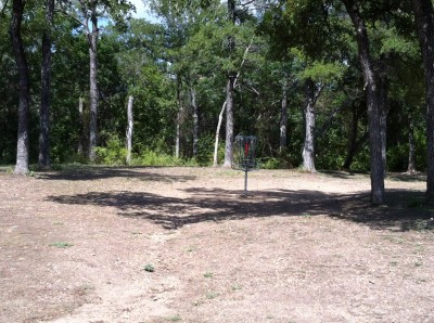 William Cameron Park, Main course, Hole 1 Short approach