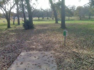 Weatherford Disc Golf Course, Main course, Hole 14 Tee pad