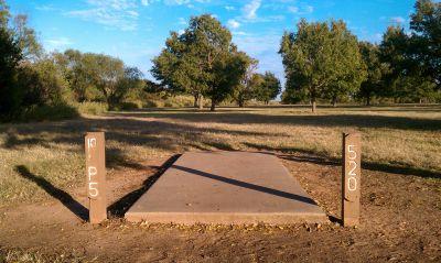 Lake Wichita Park, Main course, Hole 10 Tee pad