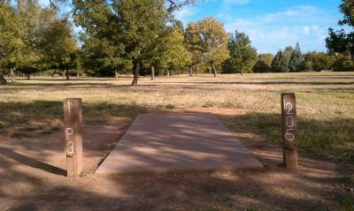 Lake Wichita Park, Main course, Hole 1 Tee pad