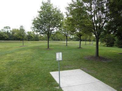 Twin Creeks Park, Main course, Hole 1 Tee pad
