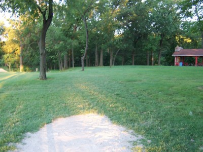 Effingham Disc Golf Course, Main course, Hole 12 Tee pad