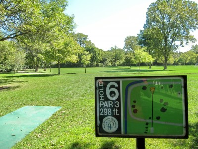 Fink Park, Main course, Hole 6 Tee pad
