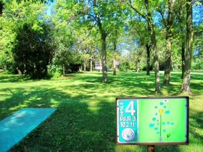 Fink Park, Main course, Hole 4 Tee pad