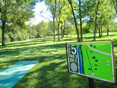 Fink Park, Main course, Hole 5 Tee pad