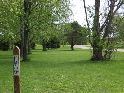 Pioneer Park, Main course, Hole 10 Tee pad