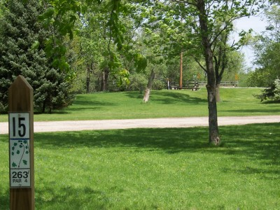 Pioneer Park, Main course, Hole 15 Tee pad
