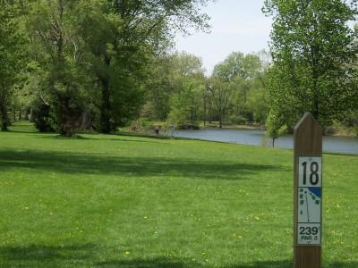 Pioneer Park, Main course, Hole 18 Tee pad