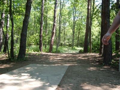 Stony Creek Metropark, Blue course, Hole 10 Tee pad