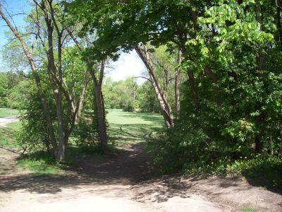 Adler Park, Main course, Hole 1 Tee pad