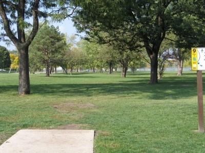 Madison Meadow Park, Main course, Hole 9 Tee pad
