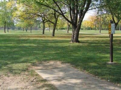 Madison Meadow Park, Main course, Hole 14 Tee pad