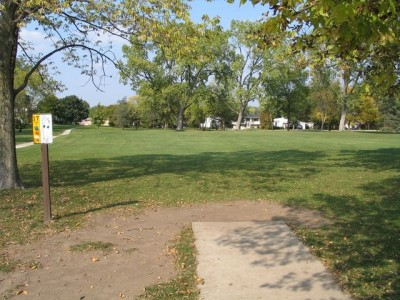 Madison Meadow Park, Main course, Hole 17 Tee pad