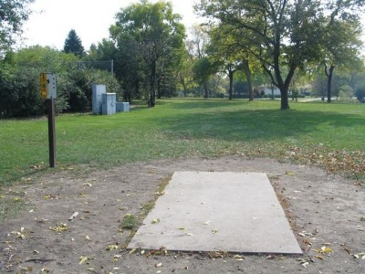 Madison Meadow Park, Main course, Hole 1 Tee pad