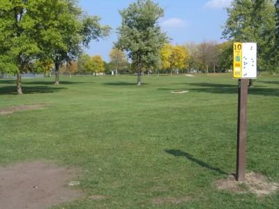 Madison Meadow Park, Main course, Hole 10 Tee pad
