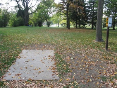 Madison Meadow Park, Main course, Hole 2 Tee pad